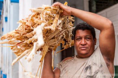 Arbeiter mit Zuckerrohr, fotografiert am 29. Mai 2009 in Havanna.
