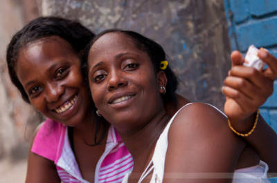 Junge Frauen in Havannas Altstadt, fotografiert am 27. Mai 2009.
