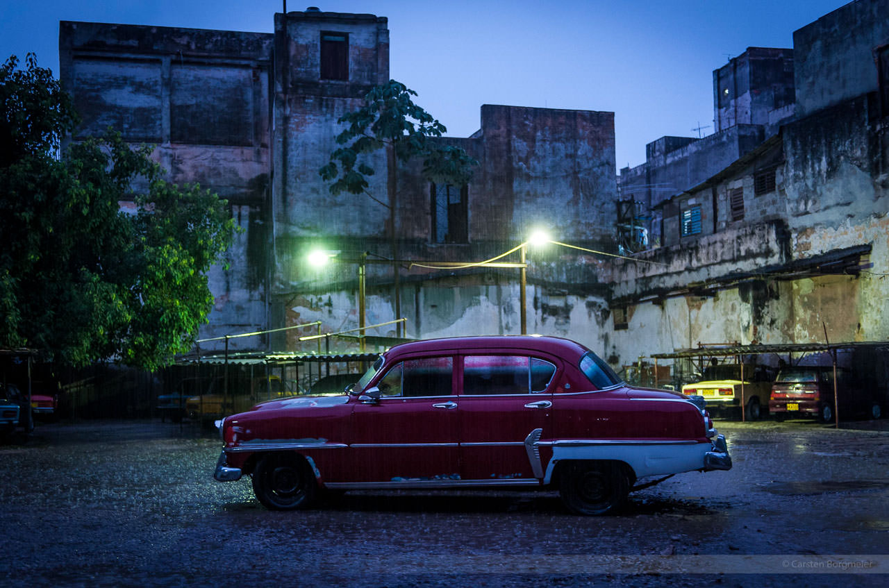 Regenschauer im Hinterhof, Havanna
