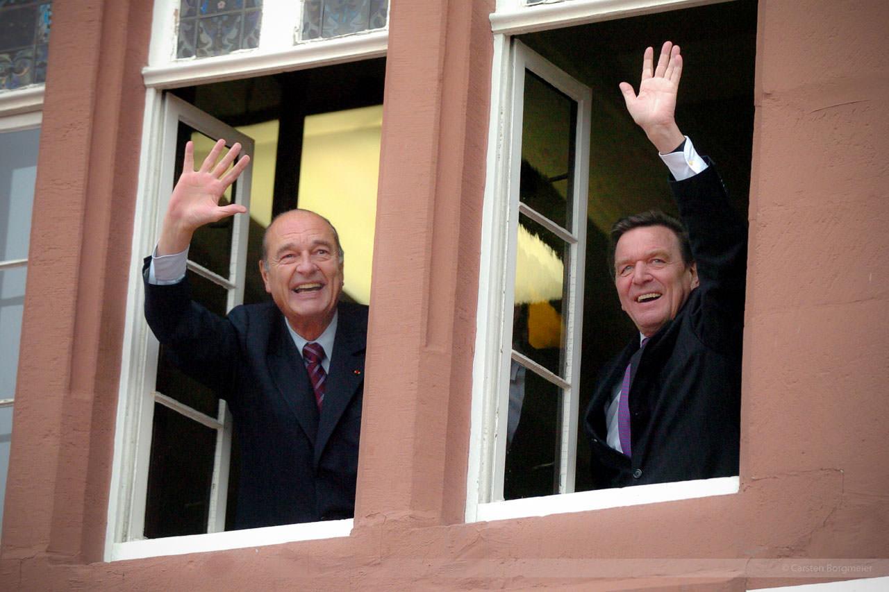 Frankreichs Ex-Staatspräsident Jacques Chirac und Alt-Bundeskanzler Gerhard Schröder, Blomberg, März 2005