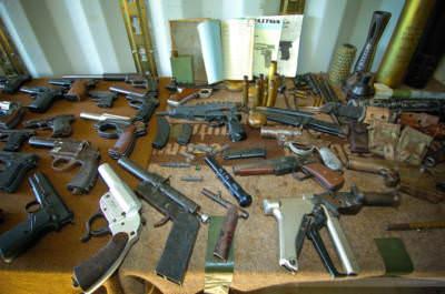 Beschlagnahmte Waffen, Rejlovac, Bosnien-Herzegowina, September 2005