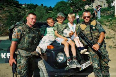 In einem albanischen Bergdorf bei Prizren, Kosovo, Mai 2000