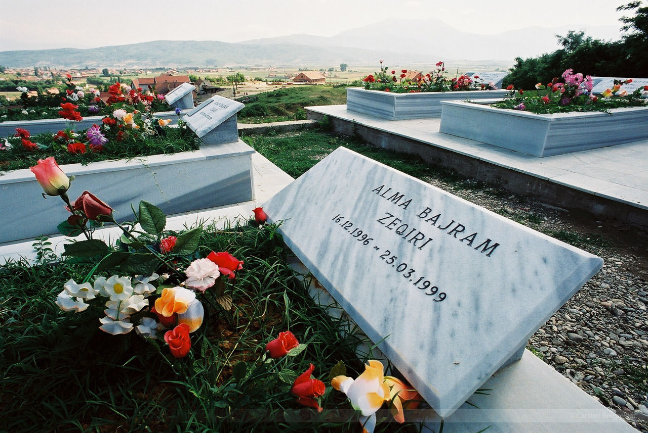 Sogar Kinder fielen den Serben zum Opfer, Kosovo, Mai 2000