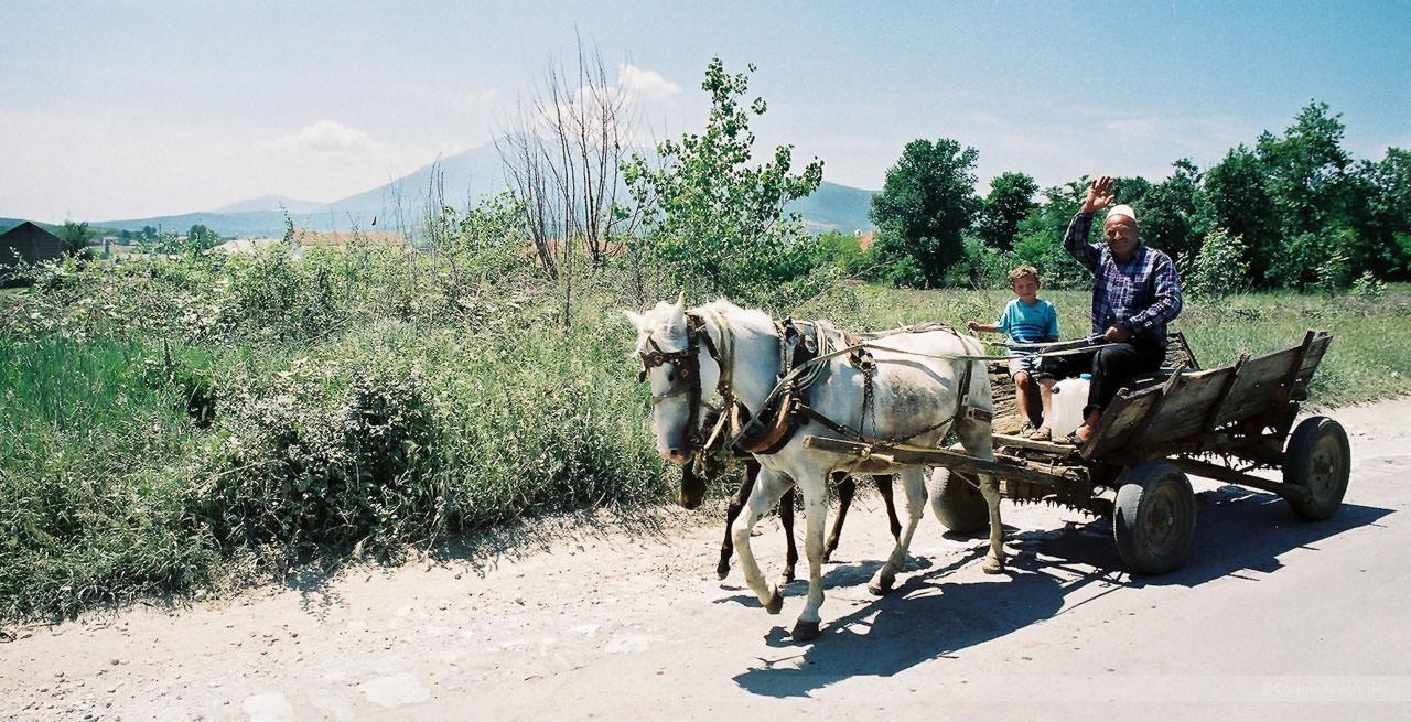 Zwischen Pristina und Janjevo, Kosovo, Mai 2000