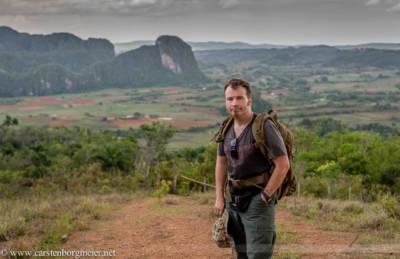 Fotojournalist Carsten Borgmeier in den Bergen oberhalb des Tales von Vinales, Kuba, Mai 2015