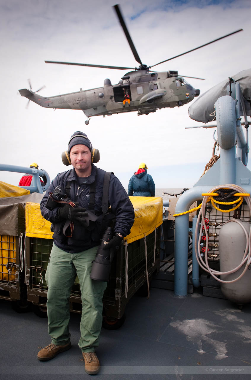 Fotoreporter Carsten Borgmeier beim Überlebenstraining von Jet-Piloten, Nordholz, März 2012