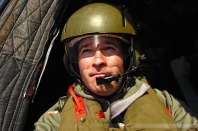 Fotoreporter Carsten Borgmeier an Bord eines deutschen Marine-Hubschraubers, Libanonküste, Januar 2008
